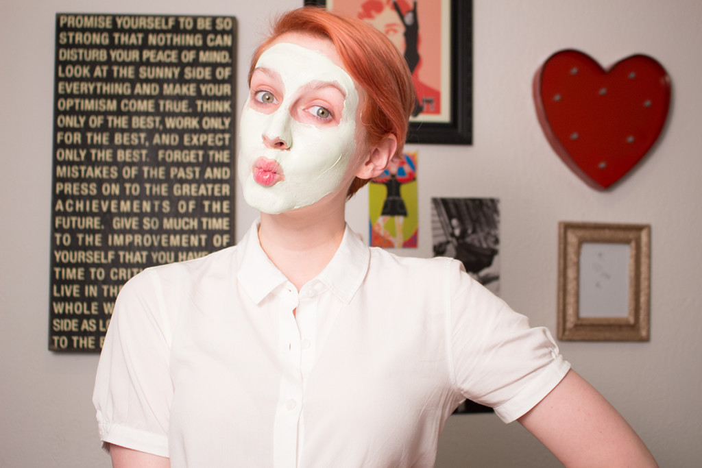 how to use a clay mask